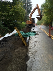 """Installing 8"""" Mainline Ductile Iron Water Pipe"""